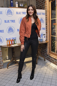 20.01.2018<br>Bluetree Tokyo Photocall in Tokio