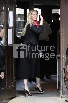 Amber Heard vor dem High Court in London